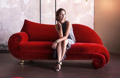 Retro sedacia súprava - pohovka - lounge chair - či sedačka. Vhodná na spestrenie interiéru. Spestrite touto sedačkou v akejkoľvek farbe interiér domu či bytu. Tejto sedačke však pristane červená :)