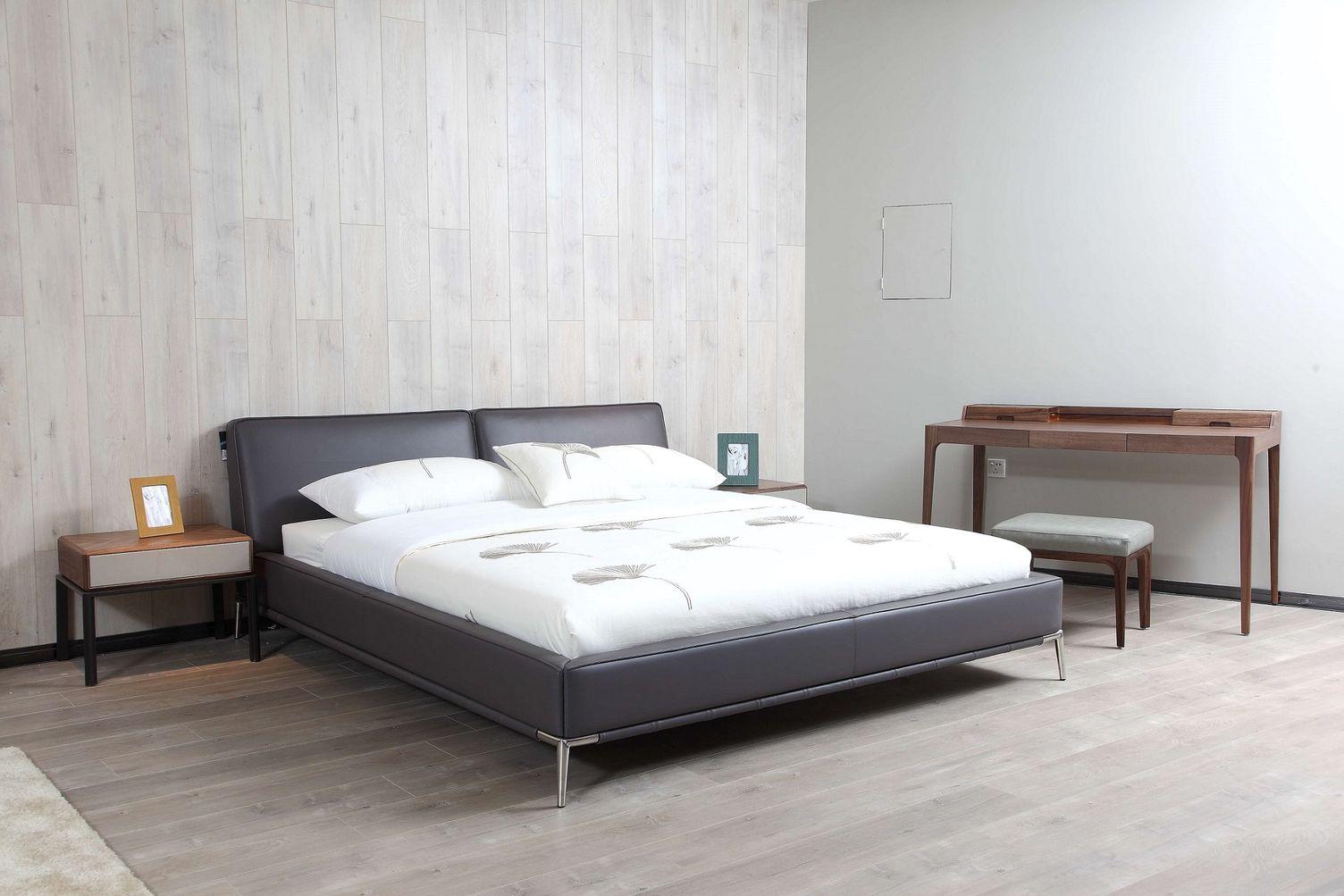 Kožená posteľ 19