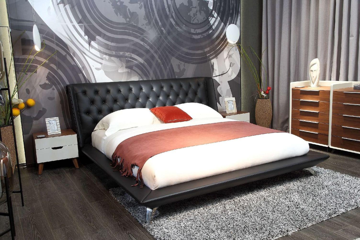 Kožená posteľ 22